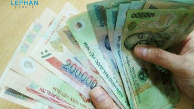 Đem tiền theo để du lịch