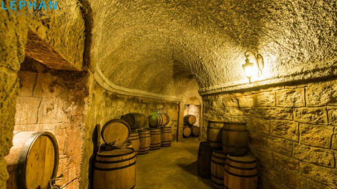 Hầm rượu depay ở Bà Nà