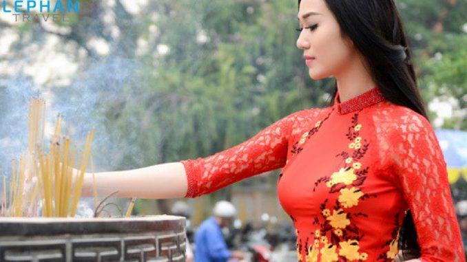 Trang phục viếng thăm chùa
