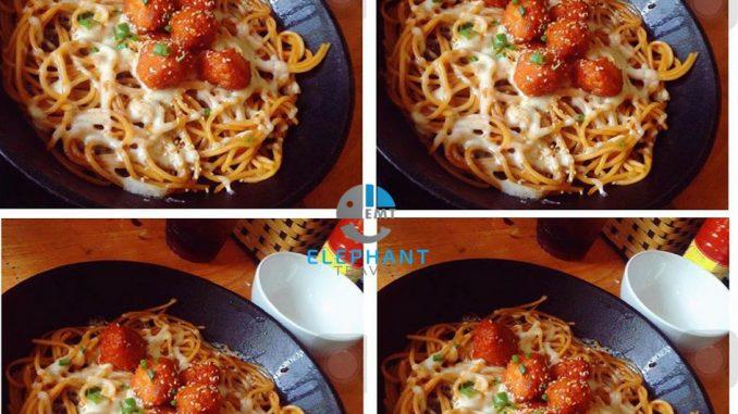 Mì gà phomai Hàn Quốc tại Zé Food